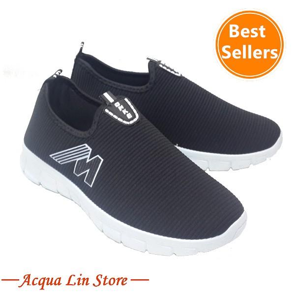 Women's flat sole casual shoes #557